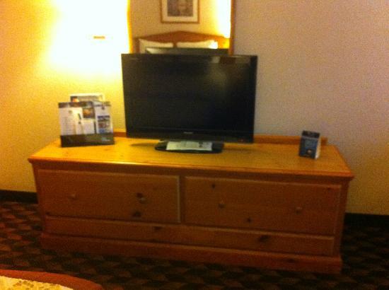 Best Western Plus Gateway Inn & Suites: TV