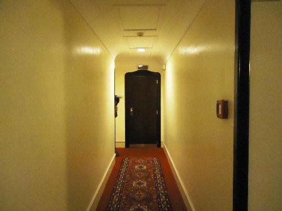 Hotel Nord Nuova Roma: Puerta entrada habitacion