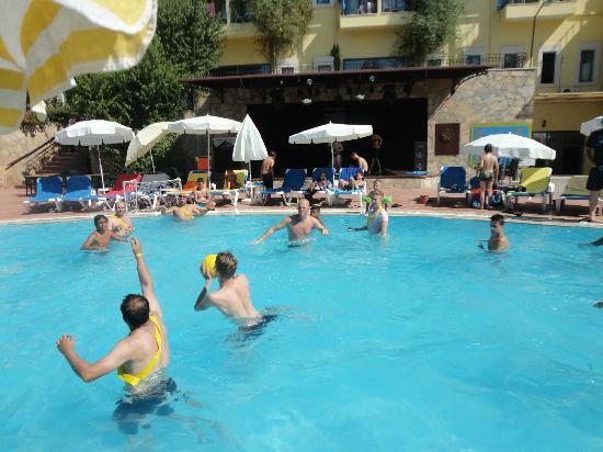 Dosi Hotel: Wasserball i nederste pool