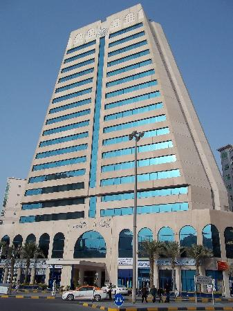 Swiss-Belhotel Sharjah : exterior