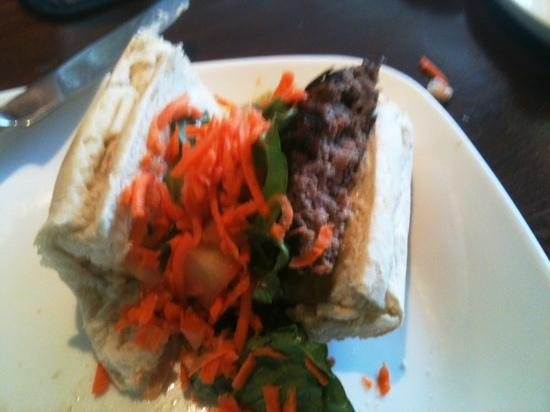 Uahi Island Grill: 1/2 of the tamarind burger