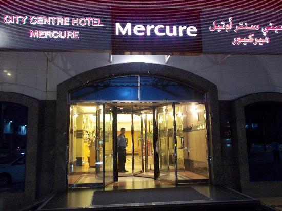 Mercure Abu Dhabi Centre Hotel: exterior