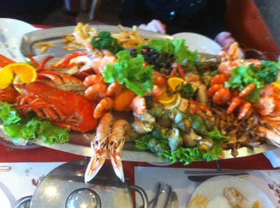 PEDRA ALTA: seafood platter
