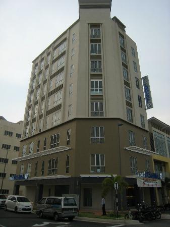 Hotel Desaria Building