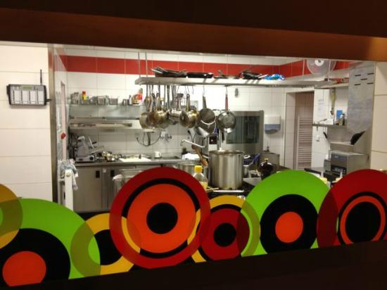 Hotel Voyage : Hotel's restaurant MOOD-Café-bar, is a gem. Kitchen is in full view.