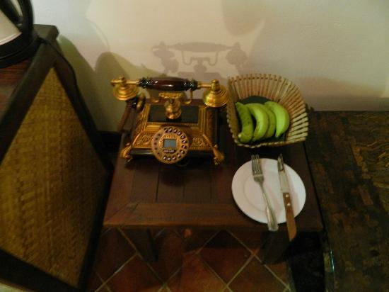 Ramayana Boutique Hotel: Strange but great telephone and green bananas