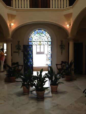 Hotel Montelirio: The foyer
