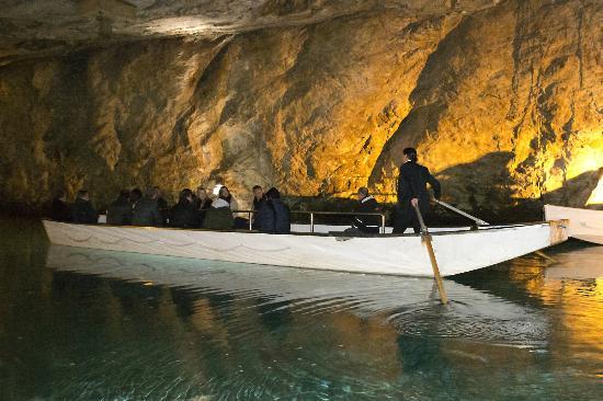 Lac Souterrain, St-Leonard- Day Tours: Visite guidée