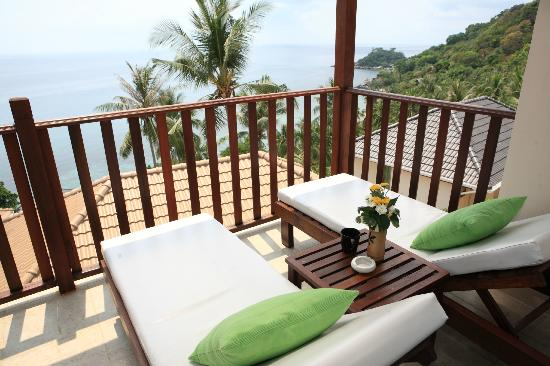 Pinnacle Koh Tao Resort: Balcony from Superior Bungalow with Sea View