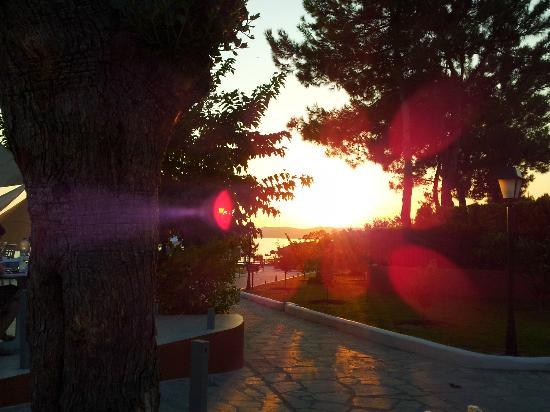 Alexandra Beach Thassos Spa Resort: Sunset seen from restaurant