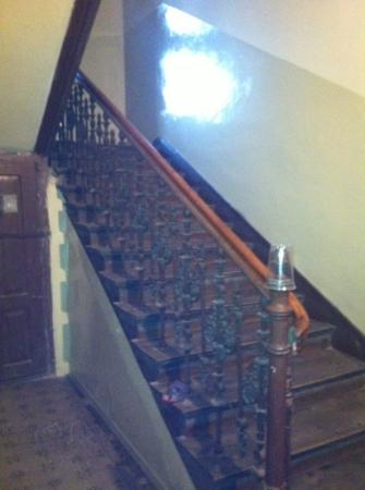 Angel House 2 Bed & Breakfast: Staircase up to Angel House 2