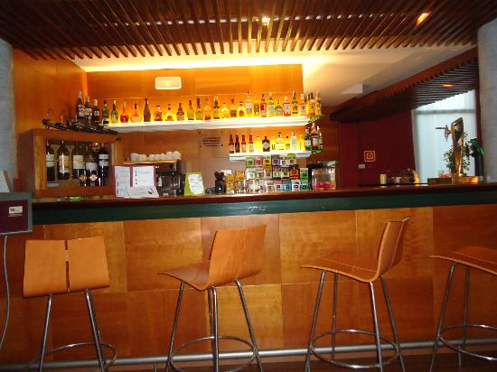 Hotel Clipper & Villas: zona bar