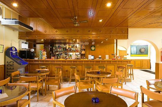 Club Aphrodite Erimi: Bar lounge