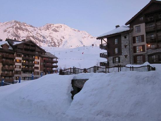 Radisson Blu Resort, Arc 1950: View from window after a long day on the slopes