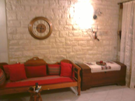 Casa Moazzo Suites & Apartments: The living room