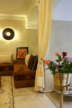 Riad Cherrata: Salon