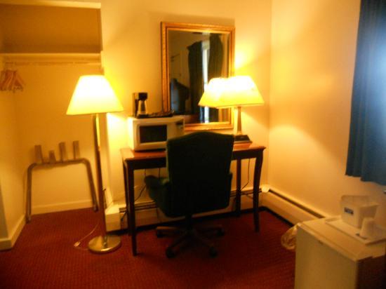 Rodeway Inn Rutland: Cozy corner