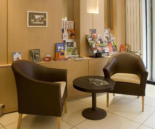 Hotel Ours Blanc Place Victor Hugo : Hotel Ours Blanc Victor Hugo
