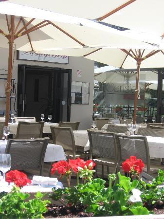 Logis amelie hotel brides les bains france voir les for Logis hotel meuble emile rey
