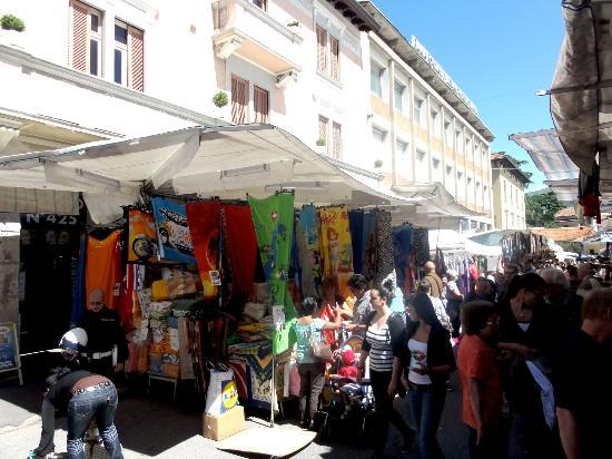 Mercato di Luino: Markt 1