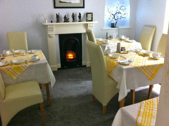 Golden Hind Guest House: Bright and airy Breakfast room