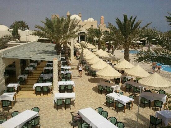 Club Diana Rimel Djerba: Restaurant ct piscine