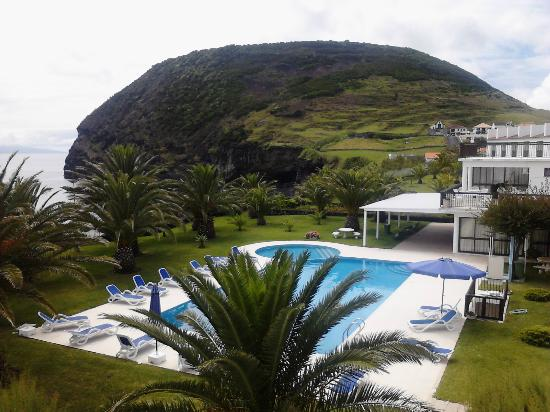 Hotel S. Jorge Garden: View of the pool from my room.