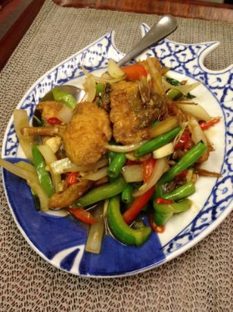 Boonnak Thai : stir-fried sea food with pepper onion bamboo shoots basil leaves fresh pepper