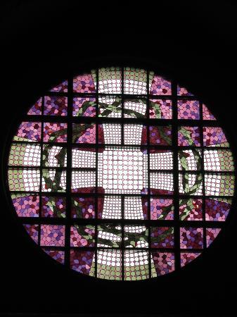 Tampereen Tuomiokirkko: glass painting: choir window