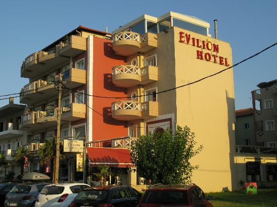 Evilion Sea & Sun Hotel: Hotel bij avondzon