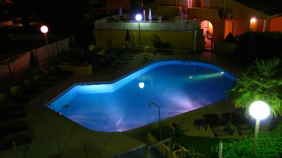Hotel Eve : Pool view by night