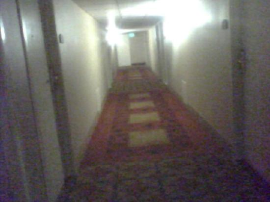 Chateau Resort & Conference Center: 3rd floor hallway at Chateau