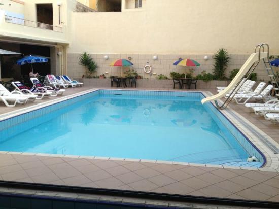 Euroclub Hotel: La piscina