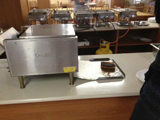 Euroclub Hotel: La tostadora que quema el pan en el comedor