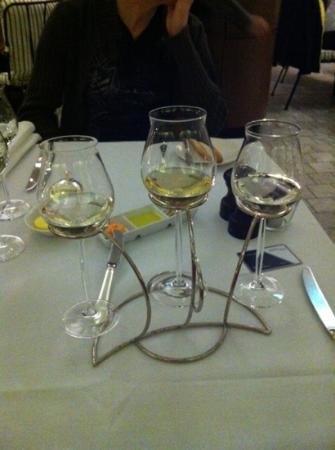 Sofitel Sydney Wentworth Restaurant: 'wine flight' sampling NZ, French, and South Australian Sav Blanc