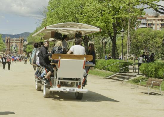 Bicibar: See the city's most historic park in style - Ver el parque con más historia con estilo