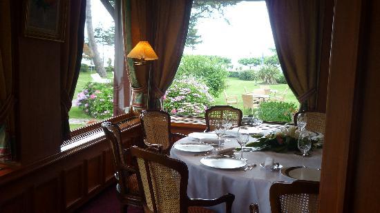 Le Castel Marie-Louise : Salle du restaurant gastronomique