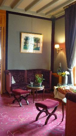 Le Castel Marie-Louise : Bar, vue 1