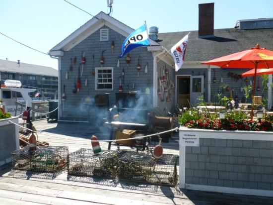 Fisherman's Wharf Inn Restaurant : Out Front Dining