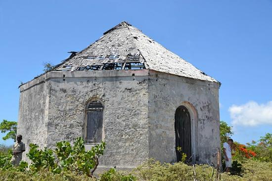Tranquillity On The Bay Resort: Historic Jail Long Cay
