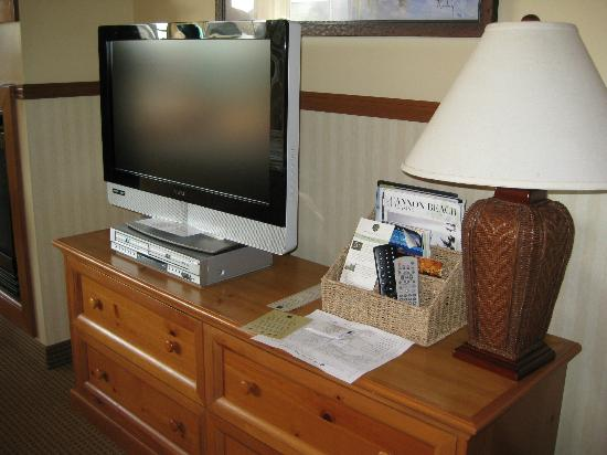 Inn at Cannon Beach: tv/dvd player