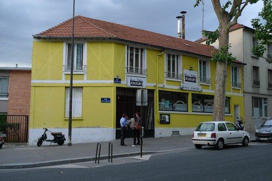 Photo of French Restaurant Aux Petits Joueurs at 59 Rue De Mouzaia, Paris 75019, France