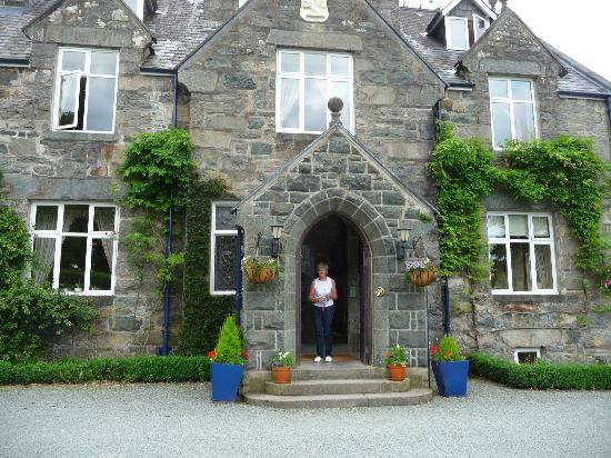 Penmaenuchaf Hall: Hotel entrance