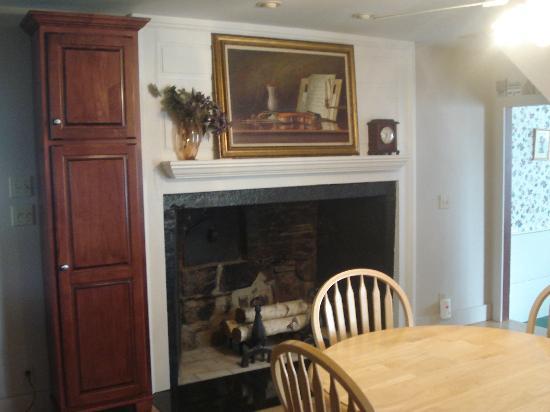 Captain Josiah Cowles Place: Breakfast Nook