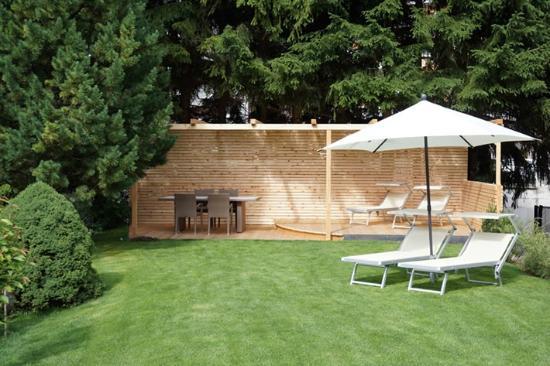 Garni Astrid: Giardino/Garten/Garden & Pergola