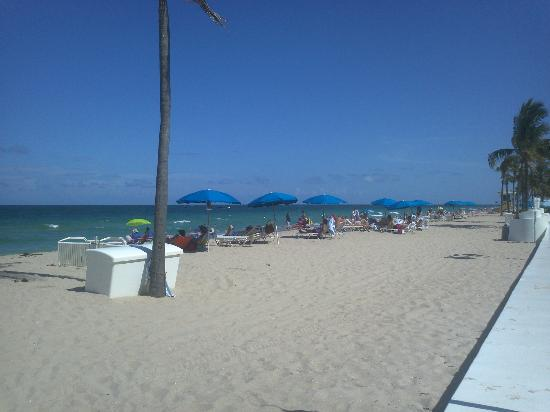 Alcazar Resort: Fort Lauderdale Beach, five-minute walk away