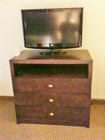 Wingate by Wyndham Chantilly / Dulles Airport: TV