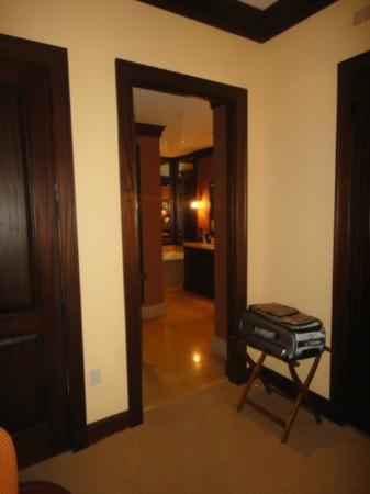 The Brazilian Court Hotel: Master Bath Entrance