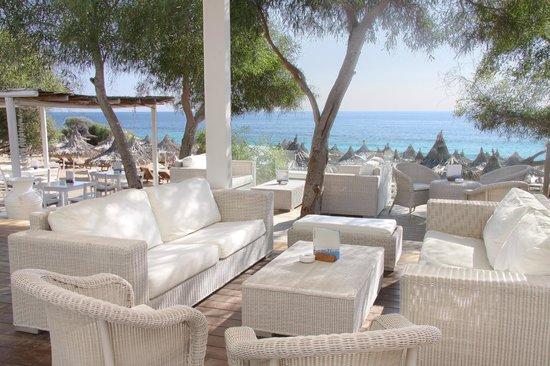 Grecian Bay Hotel: Beach Bar