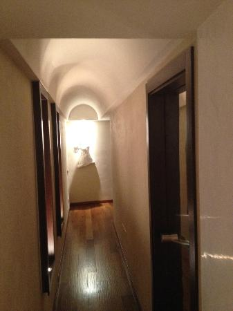 Le Stanze di Caterina: Corridor leading to a room